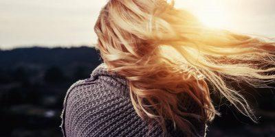 Ammoniaca o monoetanolammina: come tingere i capelli in sicurezza?