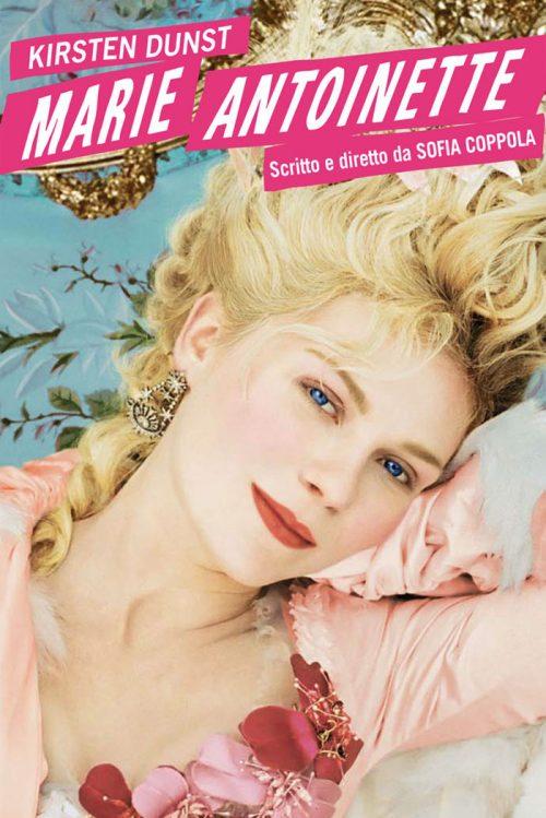 """Storia dei capelli: tra miti antichi, status sociale e salute - Kirsten Dunst nel film """"Marie Antoinette"""" del 2006 diretto da Sofia Coppola"""